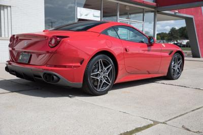 New 2018 Ferrari California T Handling Speciale New 2018 Ferrari California T Handling Speciale for sale Sold at Cauley Ferrari in West Bloomfield MI 14